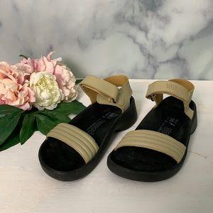 Birkenstock Tatami Womens Tan Sandal Size 7